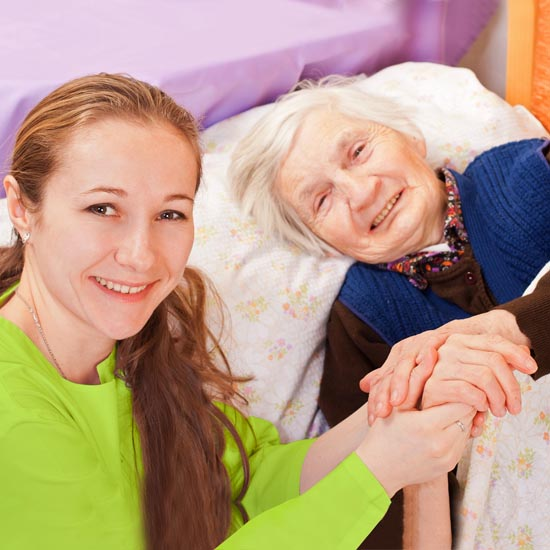 Wie bieten Ihnen individuelle, ganzheitliche Pflege sowie Betreuung, angepasst auf Ihre persönlichen Bedürfnisse und Fähigkeiten.