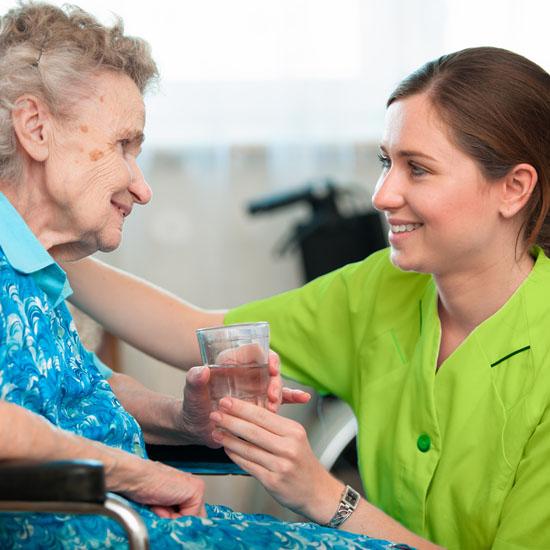 Im Haus im Rosengarten steht für Menschen mit Demenz ein spezieller Wohnbereich zur Verfügung, der eine optimale Betreuung ermöglicht.