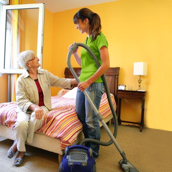 Der Pflegedienst Rosenrot unterstützt Sie gern bei den täglichen Aufgaben im Haushalt.