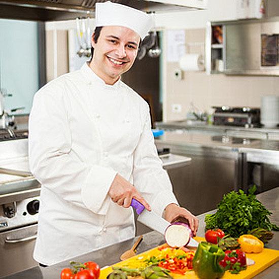 Gern versorgen wir Sie mit frisch zubereiten Mahlzeiten aus unserer eigenen Küche.